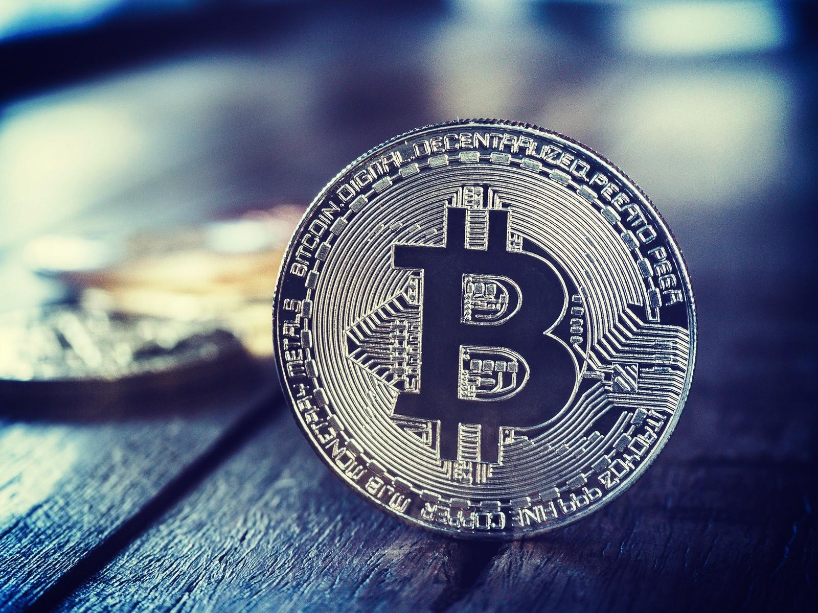 sollte ich in bitcoin investieren? risiko bei binären optionen absichern möglich für forex broker? möglichkeiten sehr schnell reich zu werden