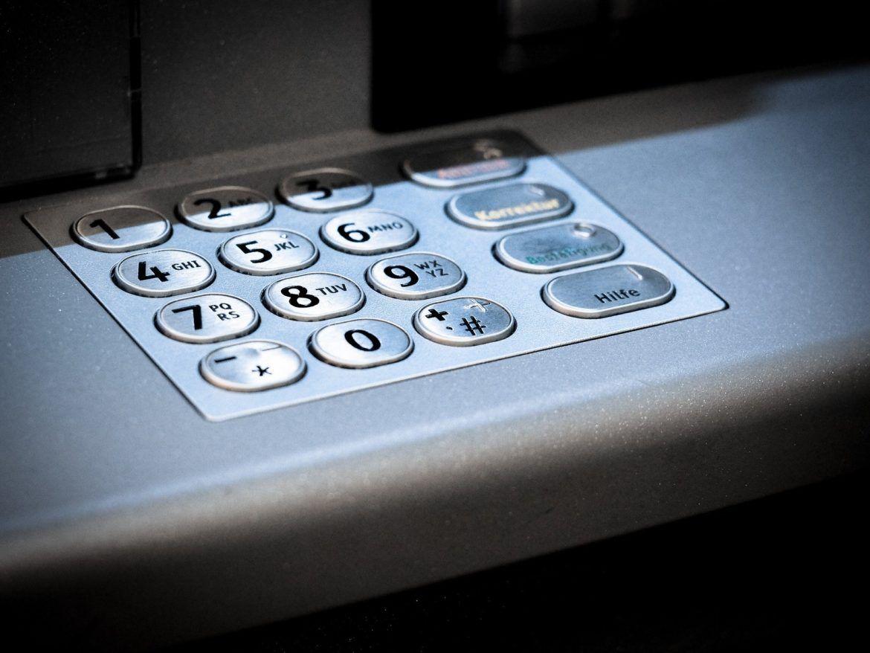 Ein Zahlenfeld eines Geldautomaten