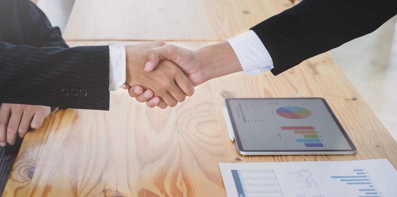 Partnerschaft mit Handshake - Seba Bank und Tokensoft