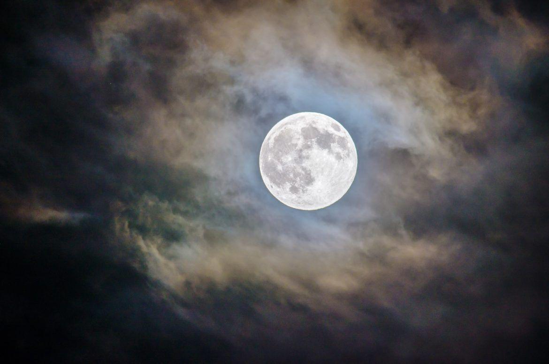 """Ein Mond für das Sprichwort """"to the moon"""""""