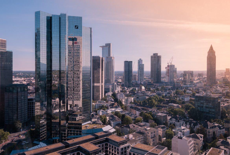 Skyline Frankfurt mit Deutsche Bank Tower